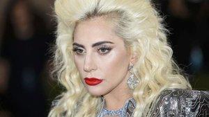 Lady Gaga tecavüze uğradıktan sonra hastalandığını itiraf etti