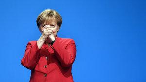 Merkel'den flaş çağrı: Mümkün olan her yerde yasaklansın
