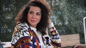 Ünlü şarkıcı Ebru Yaşar dolar bozdurdu