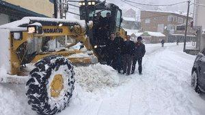 Trabzon'da kar yağışı etkili oluyor