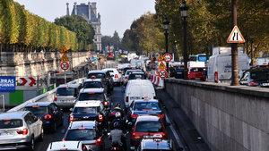 Paris'te araçlar plaka numarasına göre trafiğe çıkabilecek