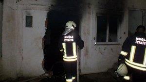 Şizofren hastası evini ateşe verdi