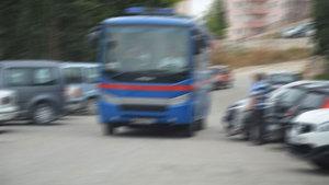 Edirne'de bir hükümlü ayakkabı bağcığıyla kelepçesini açıp jandarmaya saldırdı