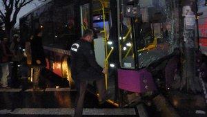 Kadıköy'de otobüs kazası: 5 yaralı