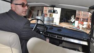 Hatay'da bir kişi 40 yıllık hurda aracı modifiye etti