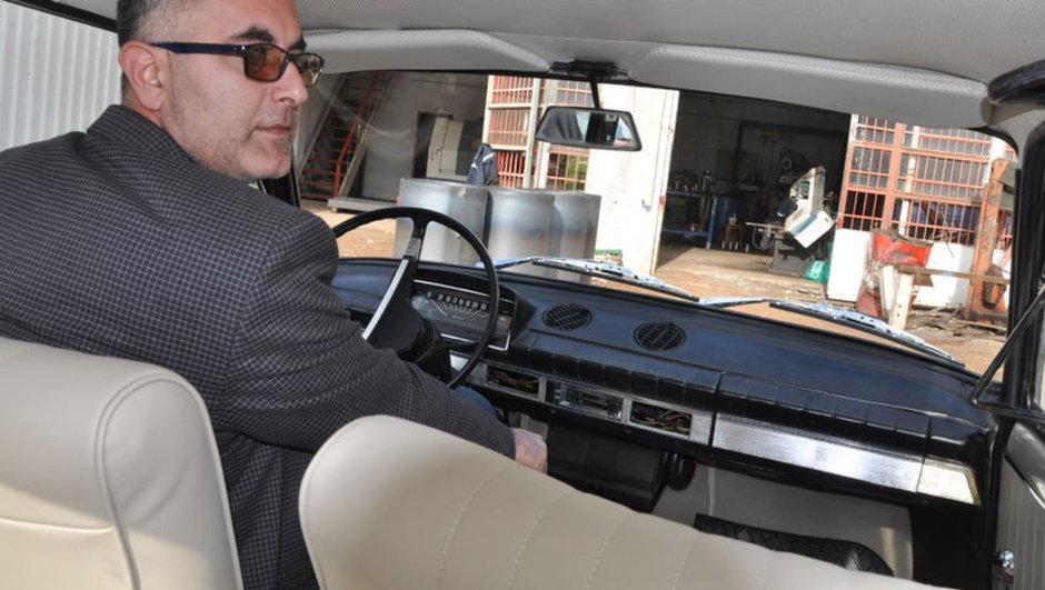 40 yıllık hurda aracı modifiye etti