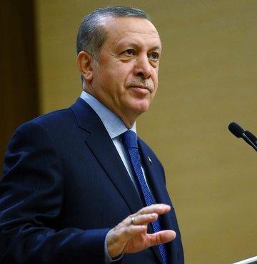 Cumhurbaşkanı Erdoğan, 88 yaşında hayatını kaybeden İsmet Sezgin için taziye mesajı yayınladı