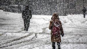 Bolu'da okullara kar tatili