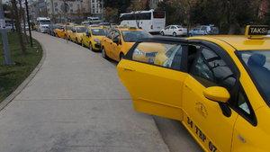 İstanbul'da taksiciler lüks taksilere yüksek taksimetre tarifesi talebi