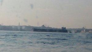 İstanbul Boğazı'nda petrol gemisi panik yarattı