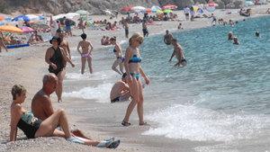 """Rus Bakan: """"Bizim vatandaşlarımız Türkiye'de plajların görüntüsünü değiştiriyor"""""""