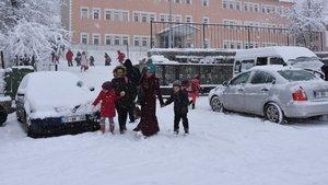 Artvin'in iki ilçesinde eğitime kar engeli