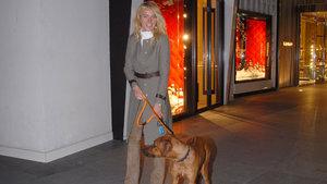 Burcu Esmersoy, köpeğiyle ilgi odağı oldu