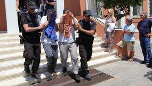 Yunanistan'a kaçan 2 darbeci askerle ilgili flaş gelişme