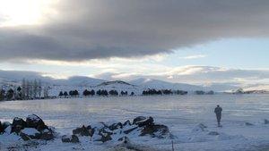Ardahan'da Çıldır Gölü dondu