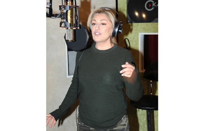 Muazzez Ersoy, yeni albümü '90'lar Pop'un tanıtımını önceki gün Ulus'ta yaptı