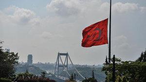 İstanbul'daki terör saldırısı nedeniyle milli yas ilan edildi