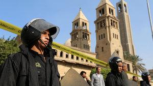 Mısır'da katedral yakınlarında patlama: 25 ölü