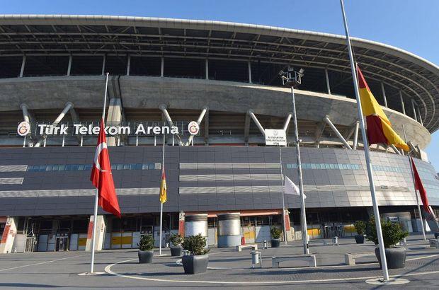 TT Arena'da bayraklar yarıya indirildi