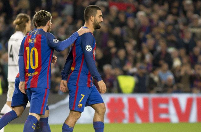 Barcelona'da forma giyen Arda Turan, El Clasico maçındaki performansına yapılan eleştirilere tepki gösterdi