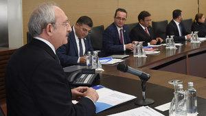 CHP, genel kuruldaki oylamaya katılmama ihtimalini tartışıyor