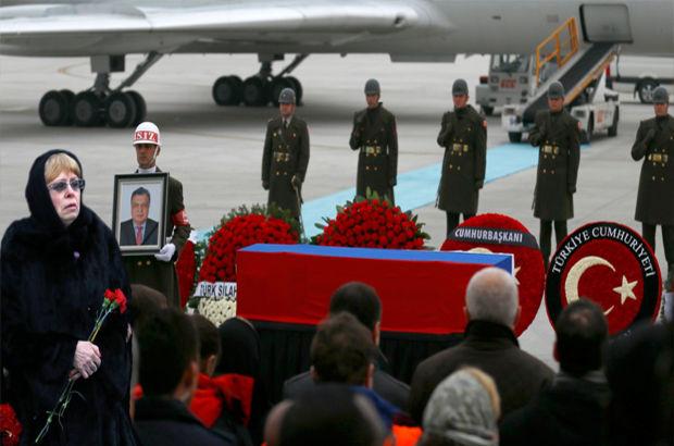 Karlov, devlet töreniyle uğurlandı