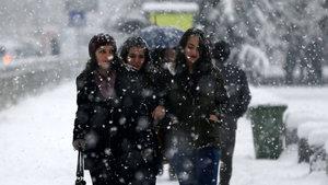 Bazı illerde okullara kar tatili