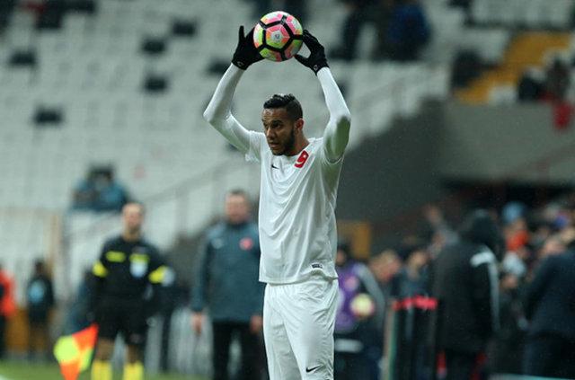 Fenerbahçe'nin Brezilyalı futbolcusu Josef de Souza'dan Türkiye için ülkesinin kanalına tokat gibi cevap verdi
