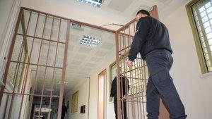 Bekir Bozdağ: Hükümlü çocuklara içeriden kilitleyeceği tek kişilik odalar yapıldı