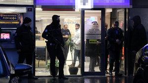 Şişli'de güvenlik görevlisi banka soygununu önledi
