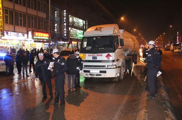 Erzincan'da freni boşalan tanker polisleri alarma geçirdi