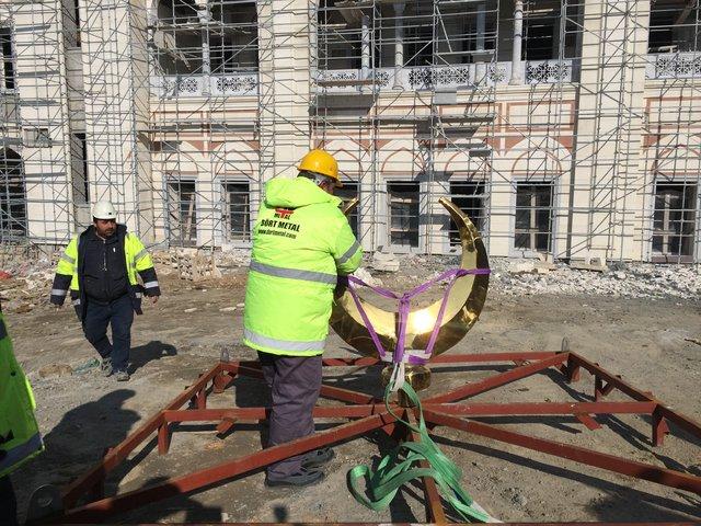 Çamlıca Camii'nde son durum havadan görüntülendi /Çamlıca Camisinin alemi törenle yerleştirildi