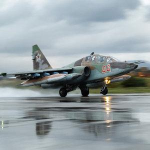 Rus jetleri ilk kez El Bab'da DEAŞ'ı vurdu!