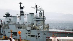 İngiliz uçak gemisi tamamen parçalanacak