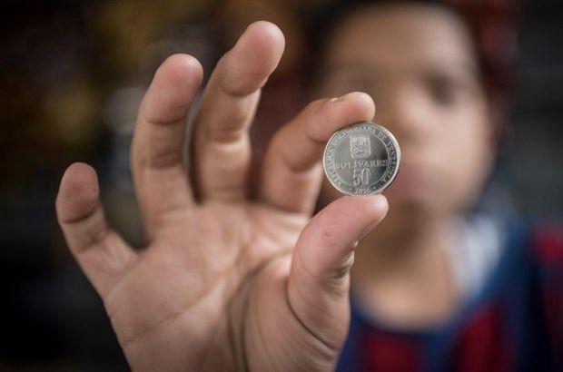 Venezuela'da 50 bolivarlık madeni para basıldı