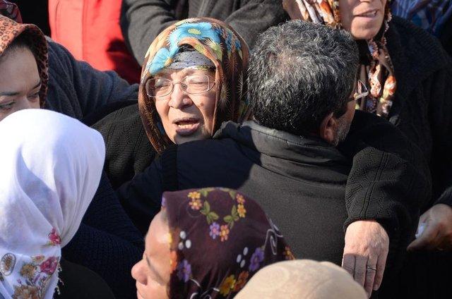 Mersin'de ölen genç çift son yolculuğuna beraber uğurlandı