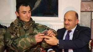 Milli Savunma Bakanı Fikri Işık Namaz Dağı'nda incelemelerde bulundu