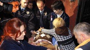Adana'da karısıyla tartışan bir kişi evini ateşe vermek istedi
