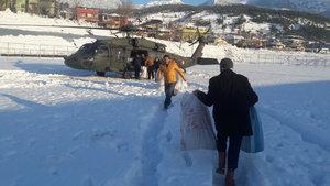 Mahsur kalan madencilere askeri helikopterle gıda yardımı
