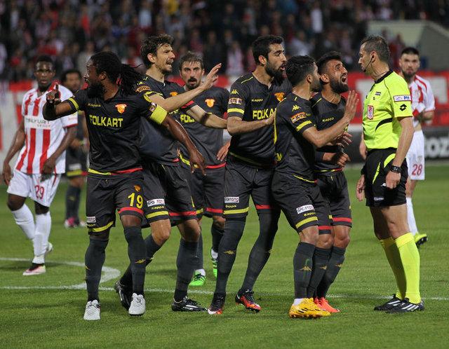 Süper Lig'de hangi hakem ne kadar kazandı?
