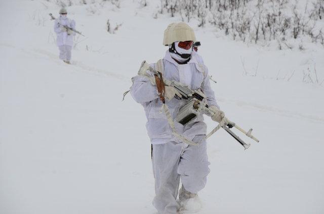 Mehmetçik dondurucu soğukta vatan nöbetinde