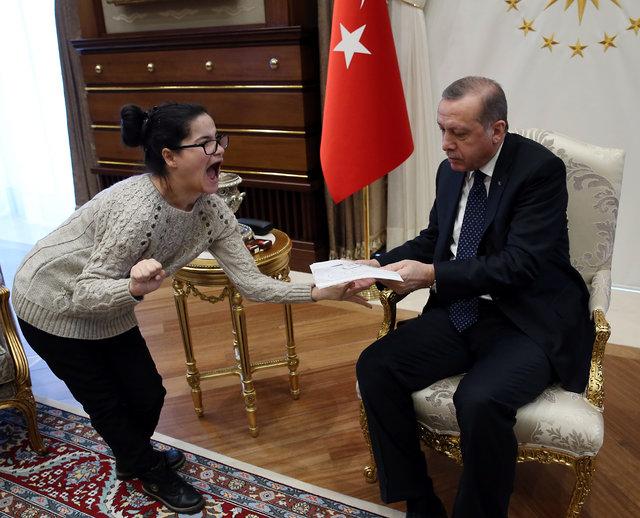 Cumhurbaşkanı Erdoğan'ın portresini çizen Gülşah Külliye'de