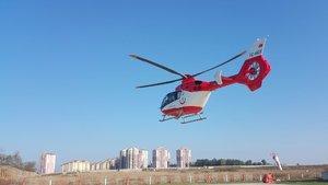 Ambulans helikopter prematüre bebek için havalandı