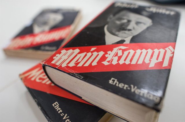 """Hitler'in """"Kavgam"""" adlı kitabı yok satıyor"""