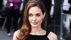 Jolie'nin mücevheri Kent'in kızından