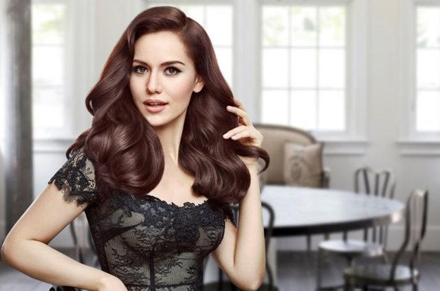 Fahriye Evcen, dünyaca ünlü bir kozmetik markasının Ortadoğu yüzü olmak için prensipte anlaştı