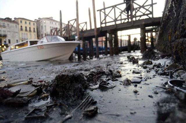 Venedik kanallarında su kalmadı!