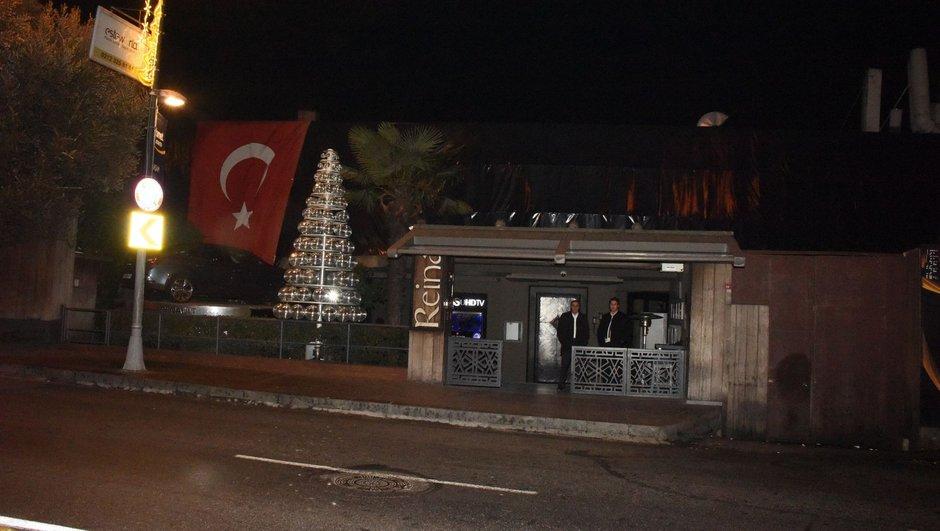 Reina terör saldırısı dış mekânlar güvenlik görevlileri silah
