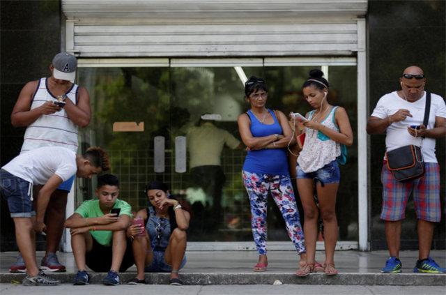 İnternetinizin asla kesilemeyeceği ülke Küba!