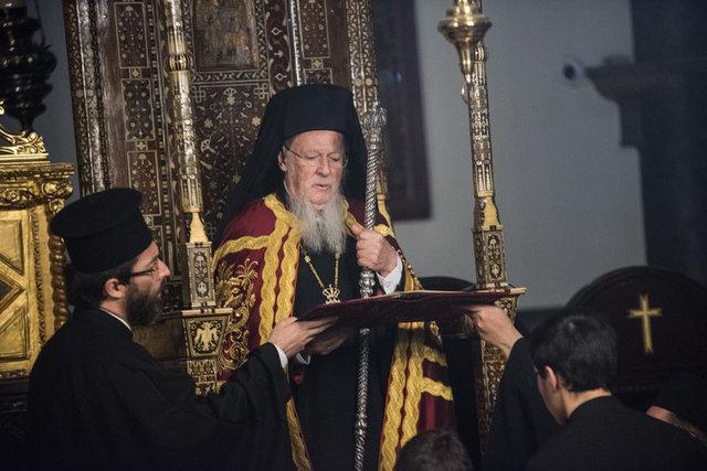 Balat'ta haç çıkarma töreni